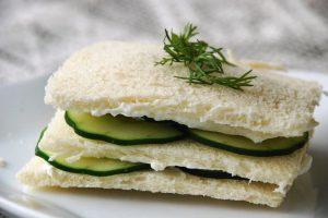 """Anglia od kuchni – historia """"cucumber sandwich"""" – najpopularniejszej kanapki na świecie"""