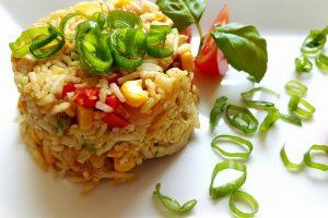 Pomysł na obiad – Ryż po singapursku