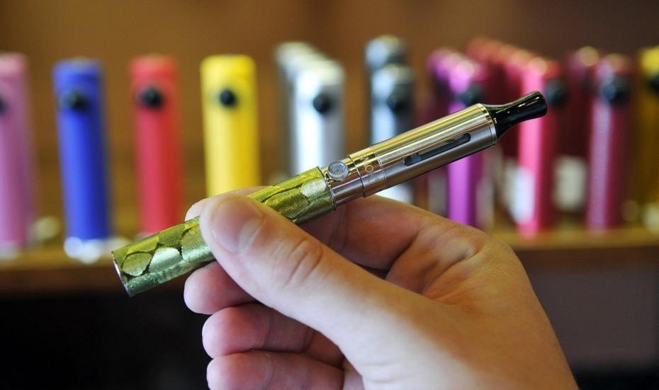 Palisz e-papierosy? Sprawdź których aromatów unikać