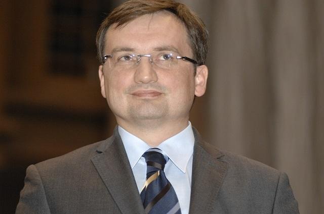 """Dariusz Stokwiszewski: Zbigniew Ziobro """"broni Konstytucji""""; czy tej obowiązującej, czy innej, przygotowywanej przez """"dobrą zmianę""""?!"""