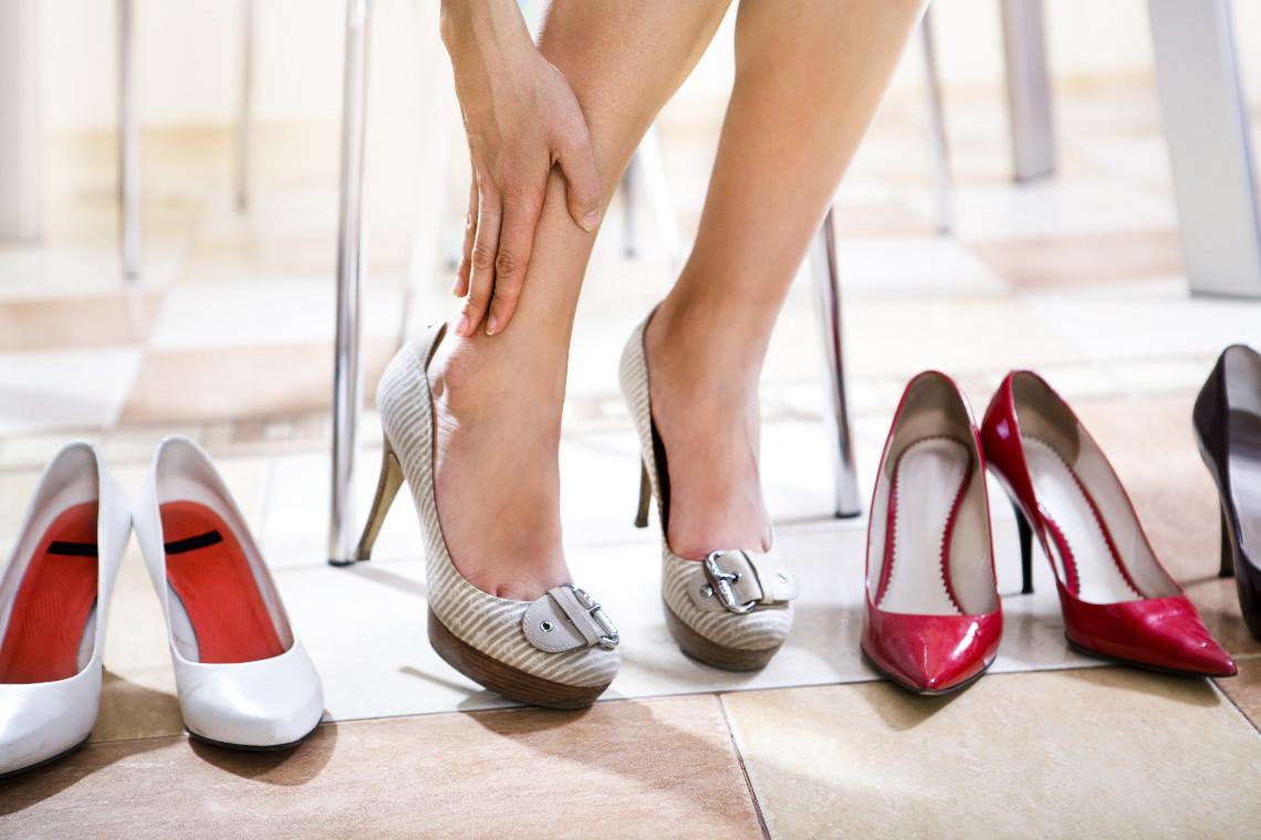 Как растянуть обувь в домашних условиях: увеличить на 65