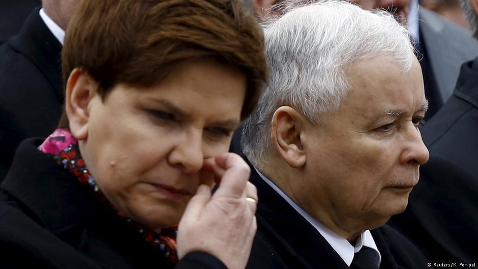 Manuela Gretkowska: Szydło jest marionetką, popychadłem Kaczyńskiego, wysyłającego ją do sprzątania politycznego syfu