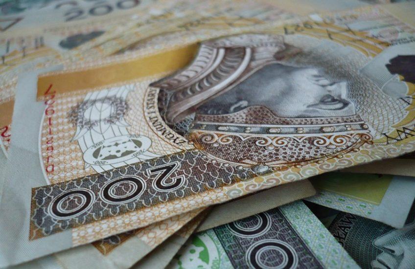 Premier zapowiedział likwidację #OFE. W OFE znajduje się 162 mld zł zainwestowanych w spółki krajowe (127 mld) i zagraniczne (11 mld) oraz lokaty bankowe