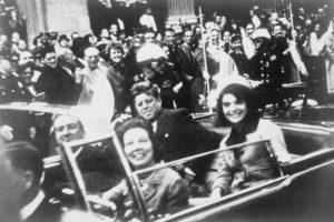 John F. Kennedy, Dallas, Texas, 22 listopada 1963. Fot. wikipedia.org