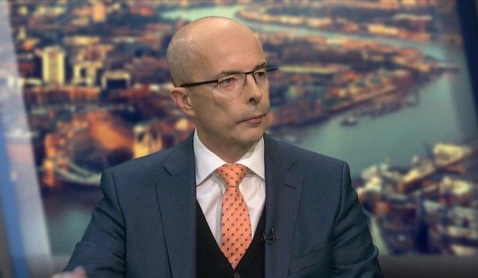 """Jonathan Knott: Cenimy to, co wnoszą do Wielkiej Brytanii obywatele krajów """"27"""", w tym Polacy. Fot. screenshot TVN24 Bis"""