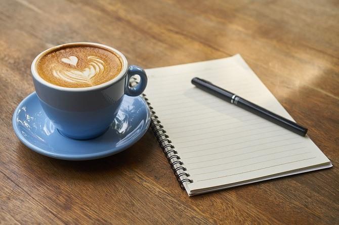 Kawa parzona czy rozpuszczalna – wady oraz zalety