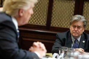 """Trump kontra były główny strateg Białego Domu Steve Bannon. """"Stracił nie tylko swoją pracę ale i rozum"""""""