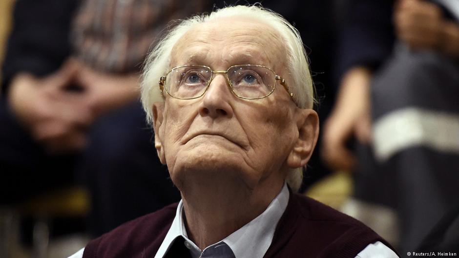 """96-letni były esesman """"księgowy z Auschwitz"""" prosi o ułaskawienie, nie chce odsiedzieć kary"""
