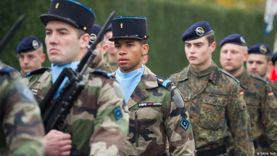 Europa mogłaby zaoszczędzić nawet 20 mld euro rocznie, gdyby miała wspólną armię