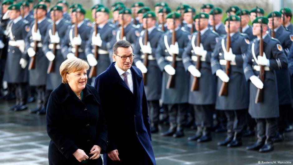 Podczas pierwszej wizyty w Berlinie premier starał się o poprawę nadszarpniętych relacji