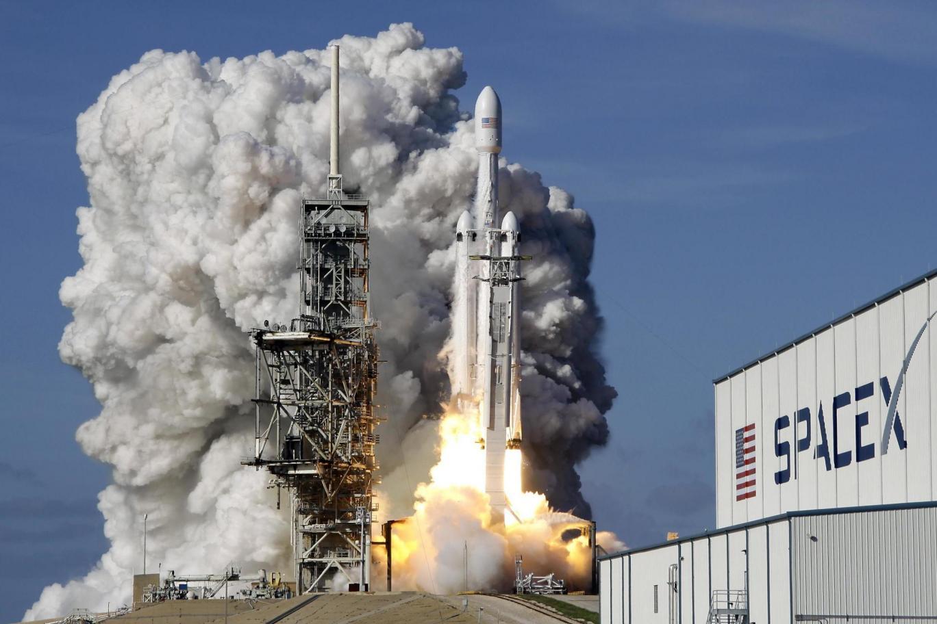 Firma SpaceX, już w 2025 roku planuje wysłać na Marsa statki zaopatrzeniowe, a niewiele później loty załogowe