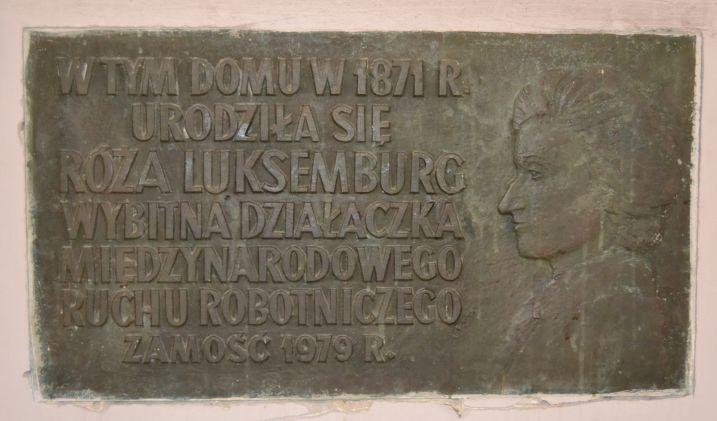 W Zamościu usunięto pamiątkową tablicę Róży Luksemburg