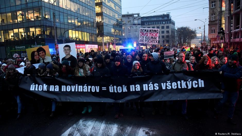 Protesty na Słowacji po zabójstwie dziennikarza, który badał powiązania między politykami a włoską mafią