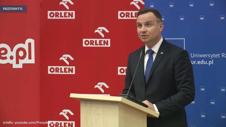 Manuela Gretkowska: Skoro były negocjacje rząd – narodowcy, co faszolom obiecano? Przecież nie spacerek za Prezydentem