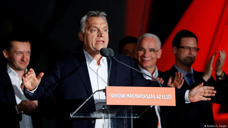 """Orbán świętuje """"historyczne zwycięstwo"""""""