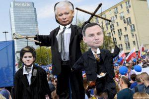 PiS nie darzy sympatią prześmiewców i stawia prokuratorskie zarzuty