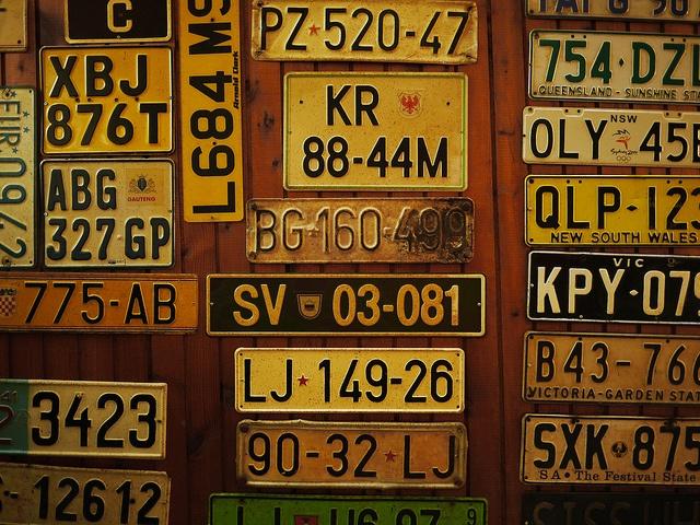 Od 1 lipca będzie można zamawiać tablice z czcionką zwężoną i tablice o innych wymiarach niż standardowe, czyli tak zwane tablice amerykańskie