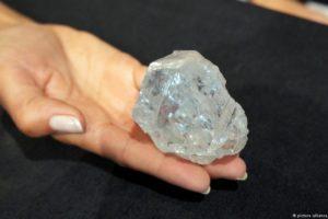 """Biliardy ton diamentów. W ocenie naukowców """"występują dość powszechnie"""""""