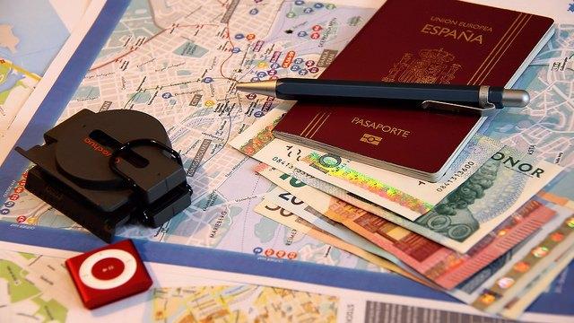 Jak niektóre państwa unijne zarabiają na sprzedaży paszportów UE?