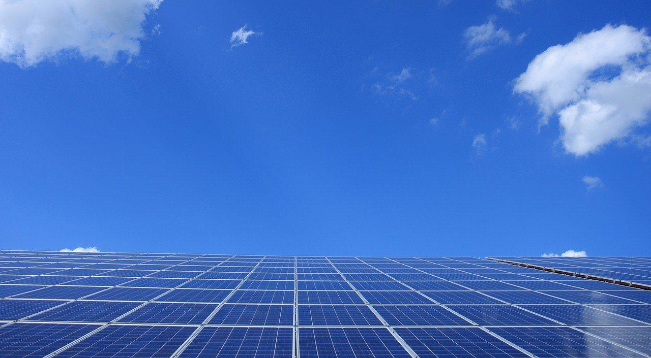 Ile energii mogą wyprodukować panele fotowoltaiczne?