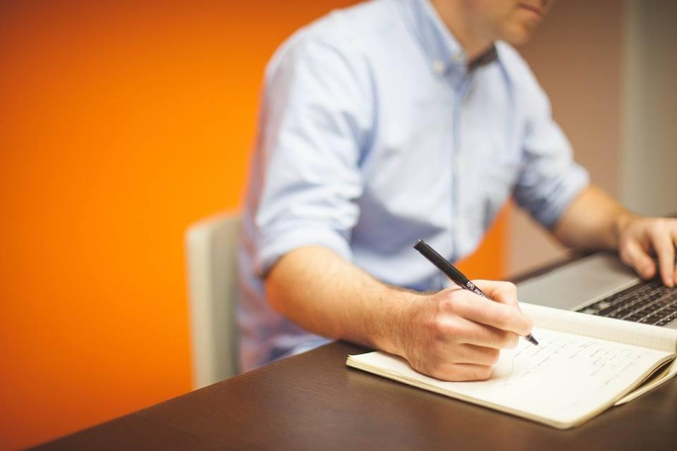 Sposób na zmniejszenie kosztów firmy związanych z kadrami – outsourcing