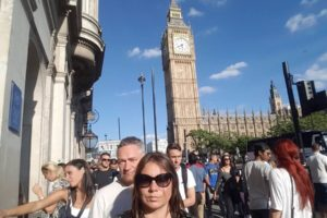 Wielka Brytania wprowadza 14-dniową kwarantannę