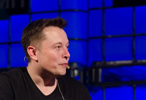EURACTIV.pl: Elon Musk najbogatszym człowiekiem na Ziemi. Jeszcze rok temu ledwo łapał się do pierwszej 50-tki