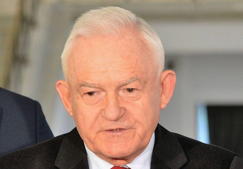 """Leszek Miller: Sądzę, że stratedzy PiS nie wykluczają """"polexitu"""""""