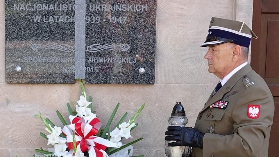 W rocznicę Rzezi Wołyńskiej, zanim położysz kwiaty na grobach pomordowanych, zanim zapalisz znicz, pomyśl, jaką naukę dla nas niosą te ofiary.