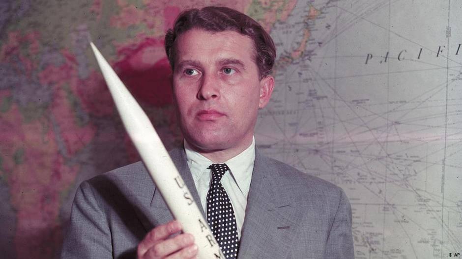 20 lipca 1969, Amerykanie wylądowali na księżycu. Byłoby to niemożliwe bez Wernhera von Brauna, który wcześniej był konstruktorem śmiercionośnej broni Hitlera.