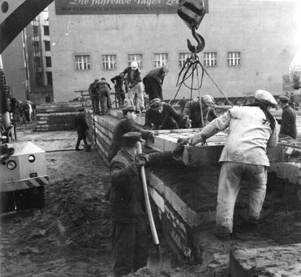 Budowa muru berlińskiego, sierpień 1961