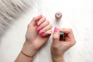 Modny manicure w sezonie letnim 2019 – 5 gorących trendów
