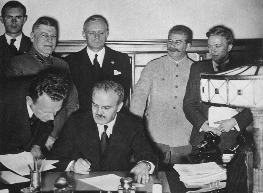 Pakt Ribbentrop