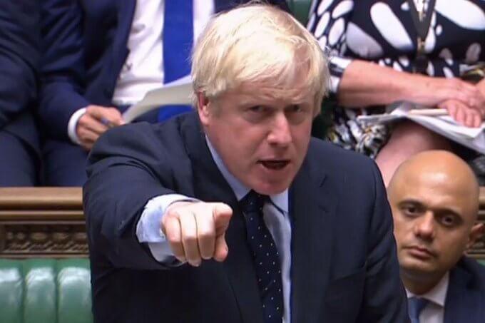 Johnson zdaje sobie sprawę, że dalsze odkładanie brexitu, będzie go kosztowało utratę poparcia. Bezumowny brexit i związane z nim następstwa są dla niego wyłącznie koniecznym złem