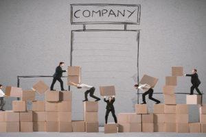 Przekształcenia spółek a prawo