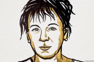 Olga Tokarczuk. (Nie)polityczna noblistka. W obecnym kontekście  politycznym jej książki same stały się polityczne
