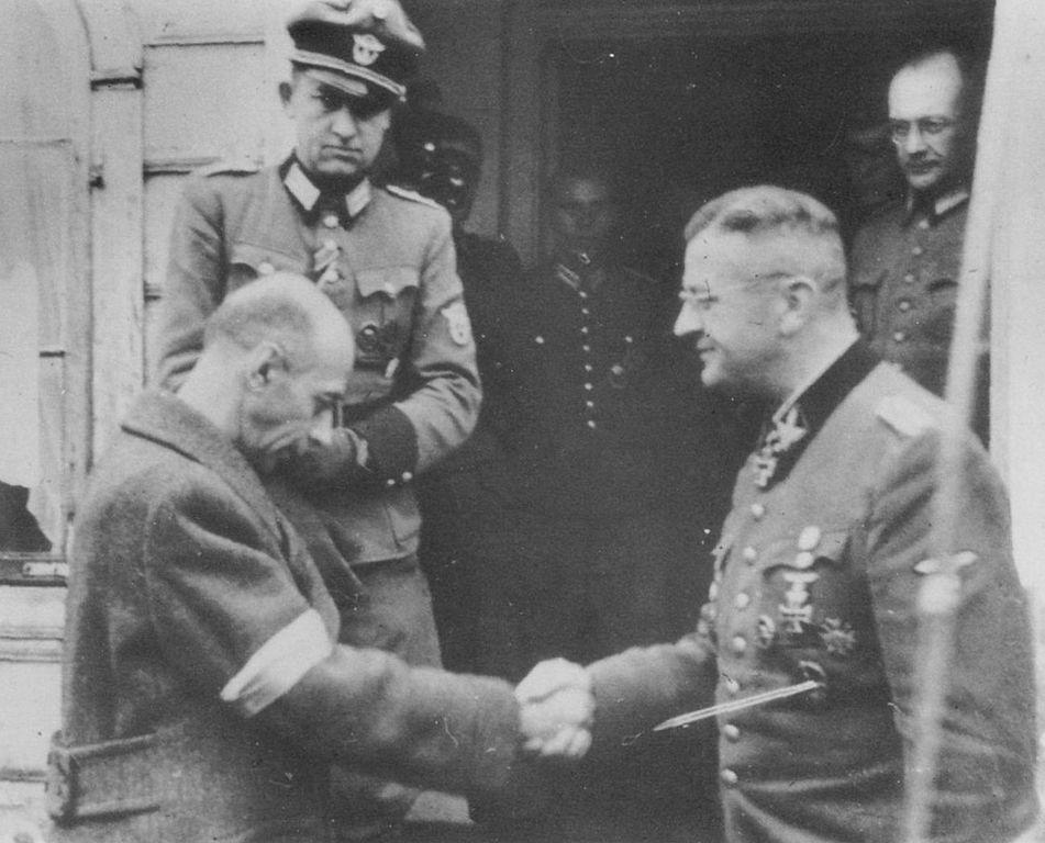 Tadeusz Bor Komorowski i Erich von dem Bach w Ożarowie Mazowieckim