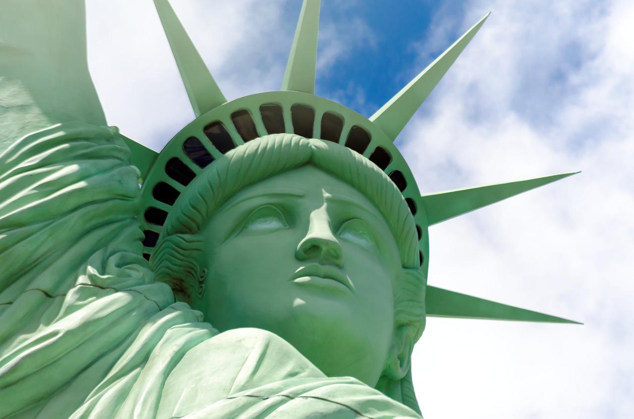 o tym na jakich zasadach i warunkach Polacy będą podróżować do USA po zniesieniu wiz , odpowiada ambasada Stanów Zjednoczonych w Polsce
