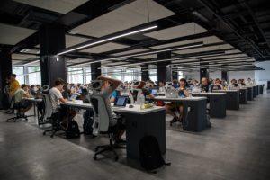 Zespoły sprzedażowe, finanse, logistyka – jaki outsourcing stosują firmy?