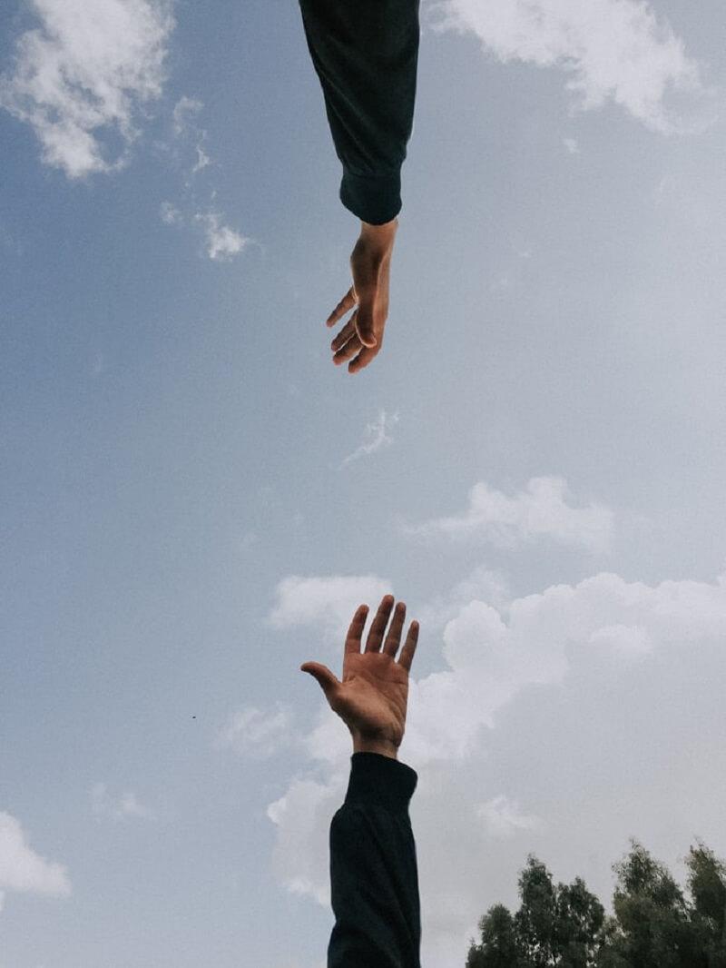 Terapia uzależnień - jak pomóc sobie lub bliskiej osobie?