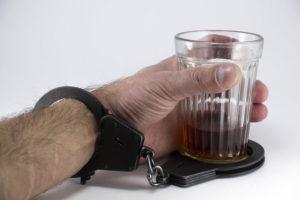 Pomóż osobie uzależnionej w walce z alkoholem