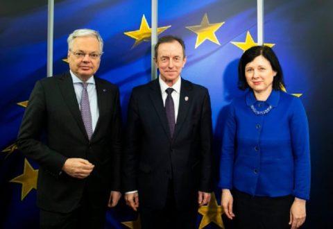 Marszałek Senatu rozmawiał w Brukseli z wiceprzewodniczącą KE, o projekcie ustawy PiS dyscyplinującej sędziów
