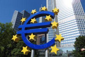 Euro - Pieniądze za praworządność