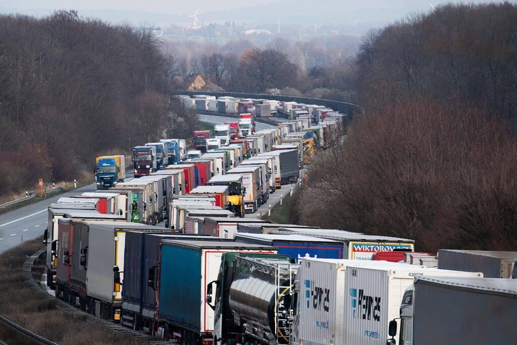 Radek Wiśniewski: Żałosna pieśń o czasach sprzed Strefy Schengen