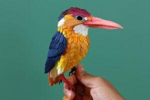 Kolumbijska artystka tworzy niesamowite rzeźby z papieru