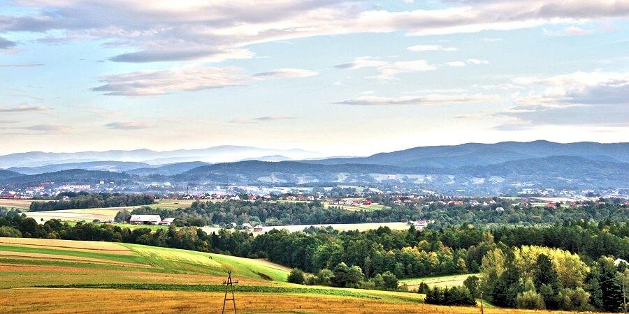 Zator to jedna z najbardziej popularnych miejscowości w Polsce wśród miłośników dobrej zabawy. Tam znajduje się największy w kraju lunapark – Energylandia.