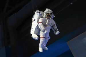 Krzysztof Skiba: PiS przebąkuje coś o broni atomowej, tymczasem rząd stawia na podbój kosmosu