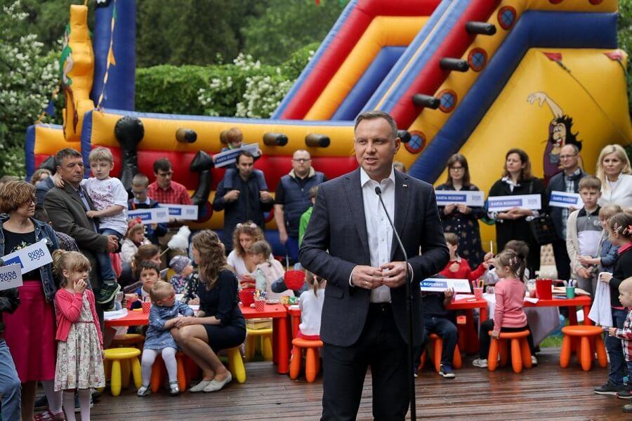 """Marcin Zegadło: """"Karta Rodziny"""" Andrzeja Dudy, czyli wrogiem fundamentalistów jest.."""
