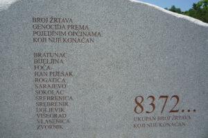 25 lat temu w Srebrenicy serbskie oddziały zamordowały ponad 8 tys. bośniackich muzułmanów