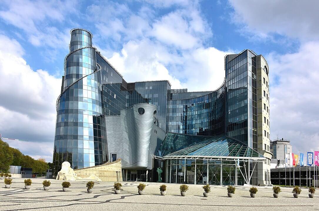 Gmach TVP w Warszawie przy ul. J.P. Woronicza 17 w Warszawie. Fot. wikipedia